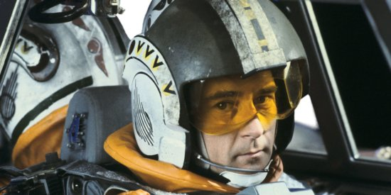 wedge antilles flying x-wing