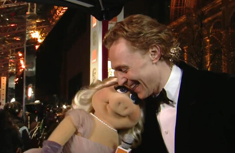 Miss Piggy Tom Hiddleston