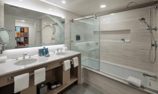 contemporary resort bathroom