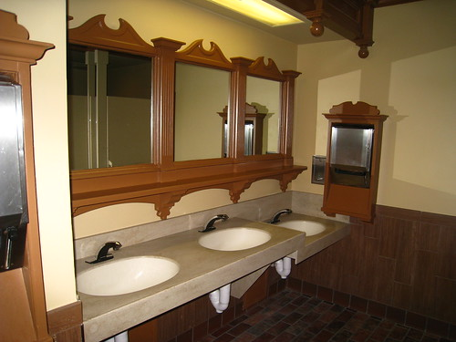 columbia harbor house bathrooms in liberty square