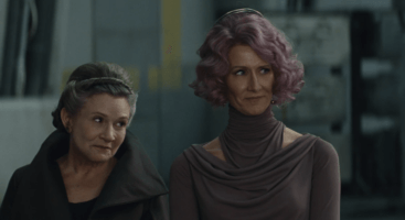 general leia (left) and amilyn holdo (right)