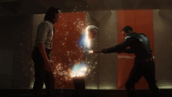 (left) tom hiddleston as loki (right) owen wilson as mobius death