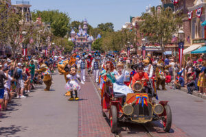 """""""Mickey and Friends Band-Tastic Cavalcade"""" Begins Limited Time Fun at Disneyland Park"""