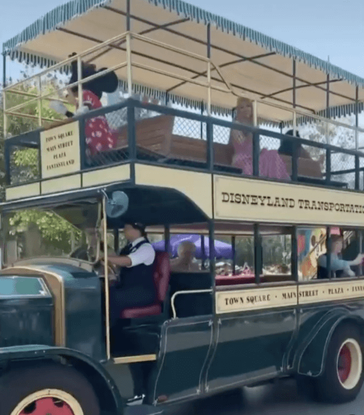 disneyland cavalcade bus with princesses