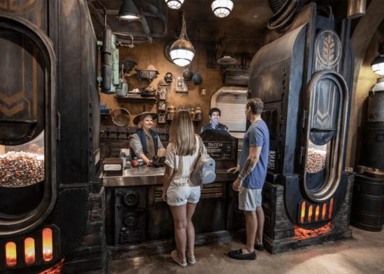 kat saka's kettle at disney world galaxy's edge