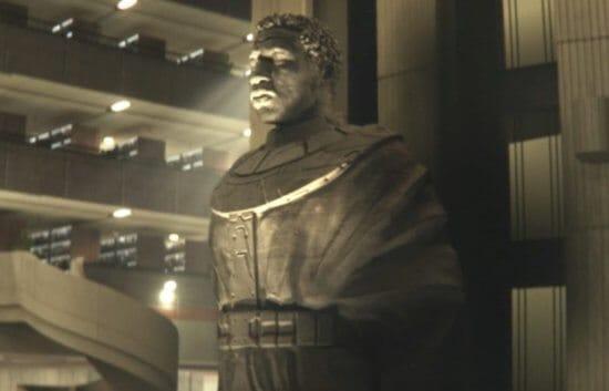 kang statue loki