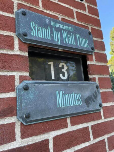 haunted mansion wait time