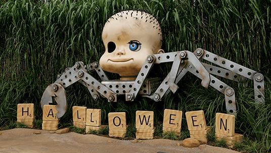 Hong kong disneyland toy story halloween earth