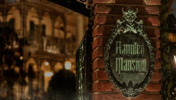 The Haunted Mansion sign at Disneyland Park