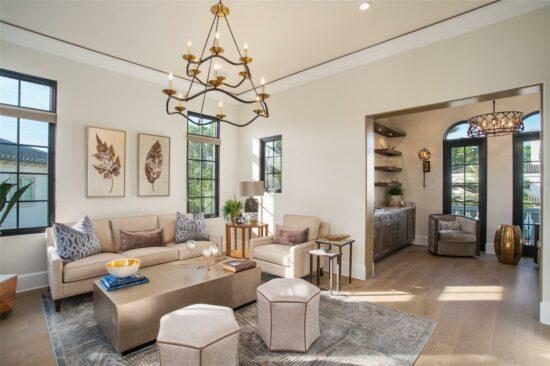 golden oak home guest living space