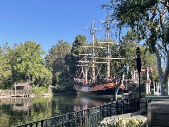 sailing ship columbia frontierland rivers of america disneyland
