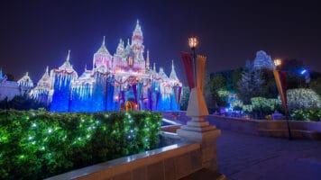 holiday season disneyland resort