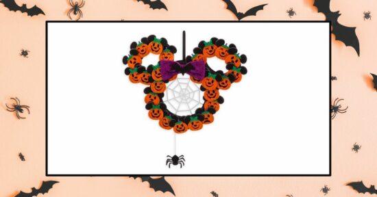 Minnie Mouse Halloween wreath