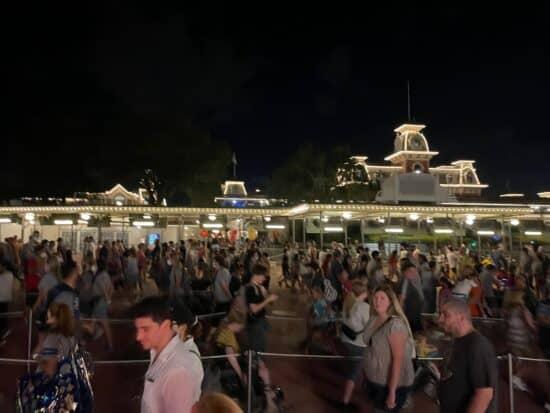 magic kingdom crowds on september 22, 2021