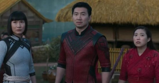 (L-R) Meng'er Zhang (Xialing), Simu Liu (Shang-Chi) and Awkwafina (Katy) in Marvel's Shang Chi and the Legend of the Ten Rings