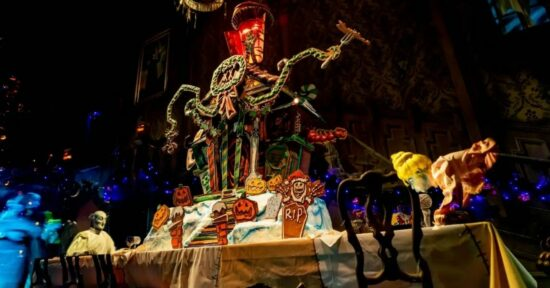 Haunted Mansion Holiday Gingerbread