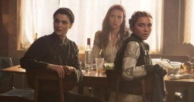 black widow (l-r) rachel weisz,scarlett johansson, florence pugh at table