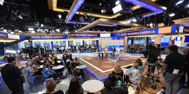 GOOD MORNING AMERICA - A new set is unveiled on GOOD MORNING AMERICA, 9/8/16, airing on the ABC Television Network. (ABC/Ida Mae Astute) MICHAEL STRAHAN, ROBIN ROBERTS, GEORGE STEPHANOPOULOS, AMY ROBACH, AUDIENCE