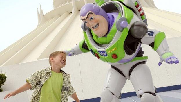Buzz Light Air en Disneyland ayer.
