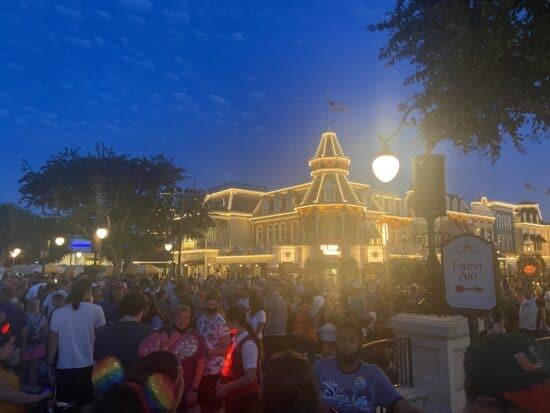 Main Street Crowds