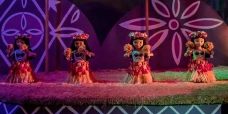 its a small world hula dancers